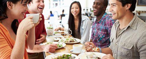 dubai-group-dining-restaurant-crowd-brunch